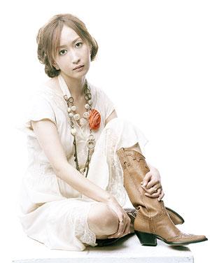 http://www.cdjapan.co.jp/jpop/essentials/kokia/img/main.jpg